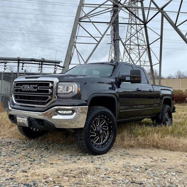 "GMC 1500 Sierra with MotoFab Lifts 2.5"" leveling lift kit"